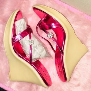 Classified metallic hot pink foiled strappy wedge